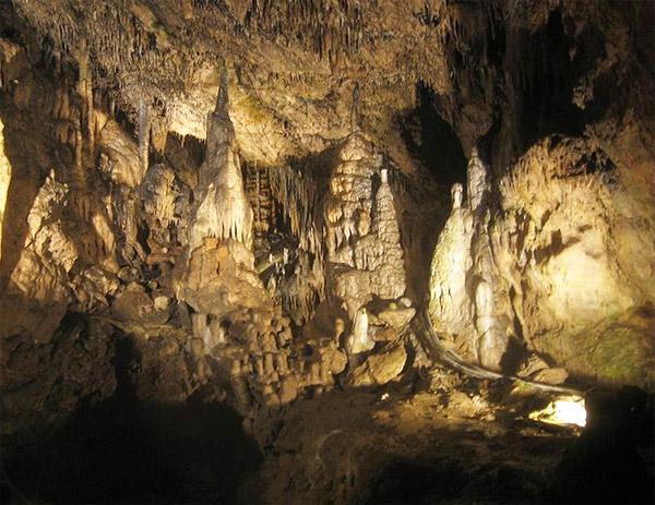 grotten-van-han